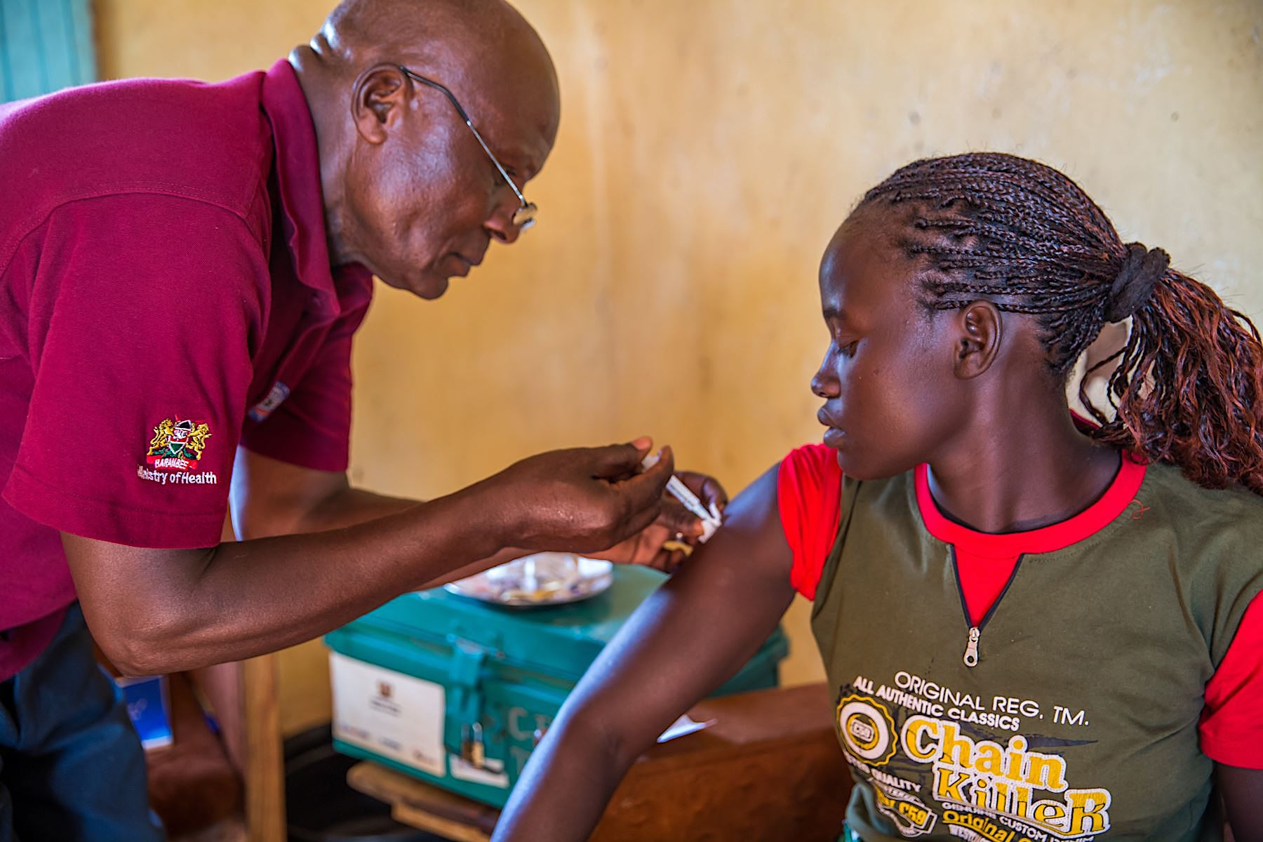 A woman receives a vaccination in Kenya's Easter province. | Sala Lewis / CSIS