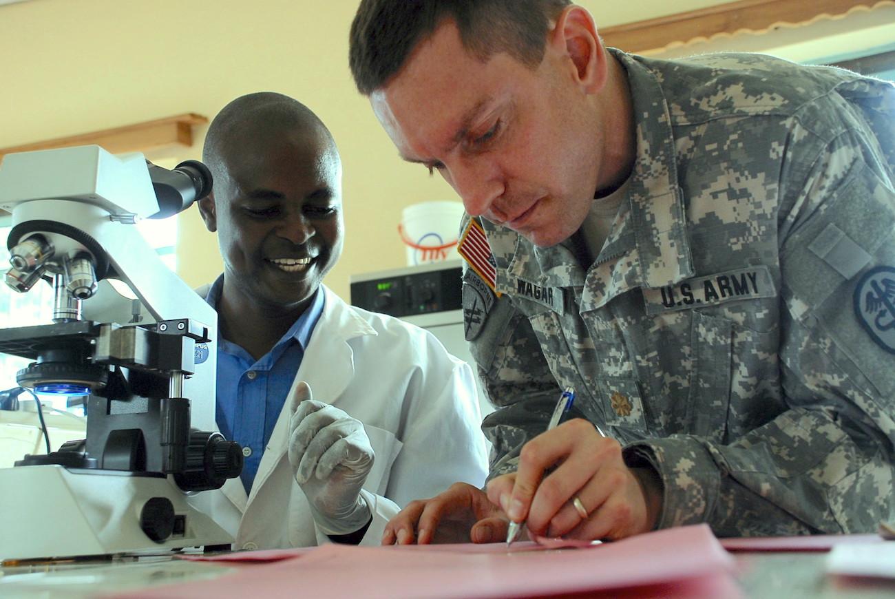U.S. Army Medical Research Unit – Kenya: supporting efforts to improve malaria diagnosis. | Rick Scavetta, U.S. Army Africa via Flickr